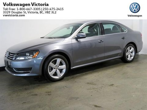 Certified Pre-Owned 2015 Volkswagen Passat Comfortline 1.8T 6sp at w/ Tip