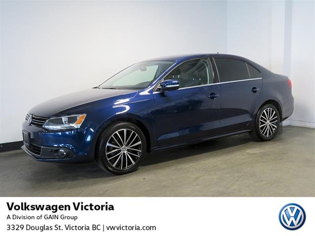 Certified Pre-Owned 2014 Volkswagen Jetta Highline 2.0 TDI 6sp
