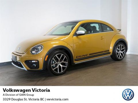 Certified Pre-Owned 2016 Volkswagen The Beetle Dune 1.8T 6sp at w/ Tip