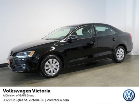 Certified Pre-Owned 2014 Volkswagen Jetta Trendline plus 2.0 TDI 6sp