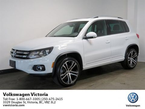 Certified Pre-Owned 2017 Volkswagen Tiguan Highline 2.0T 6sp at w/ Tip 4M